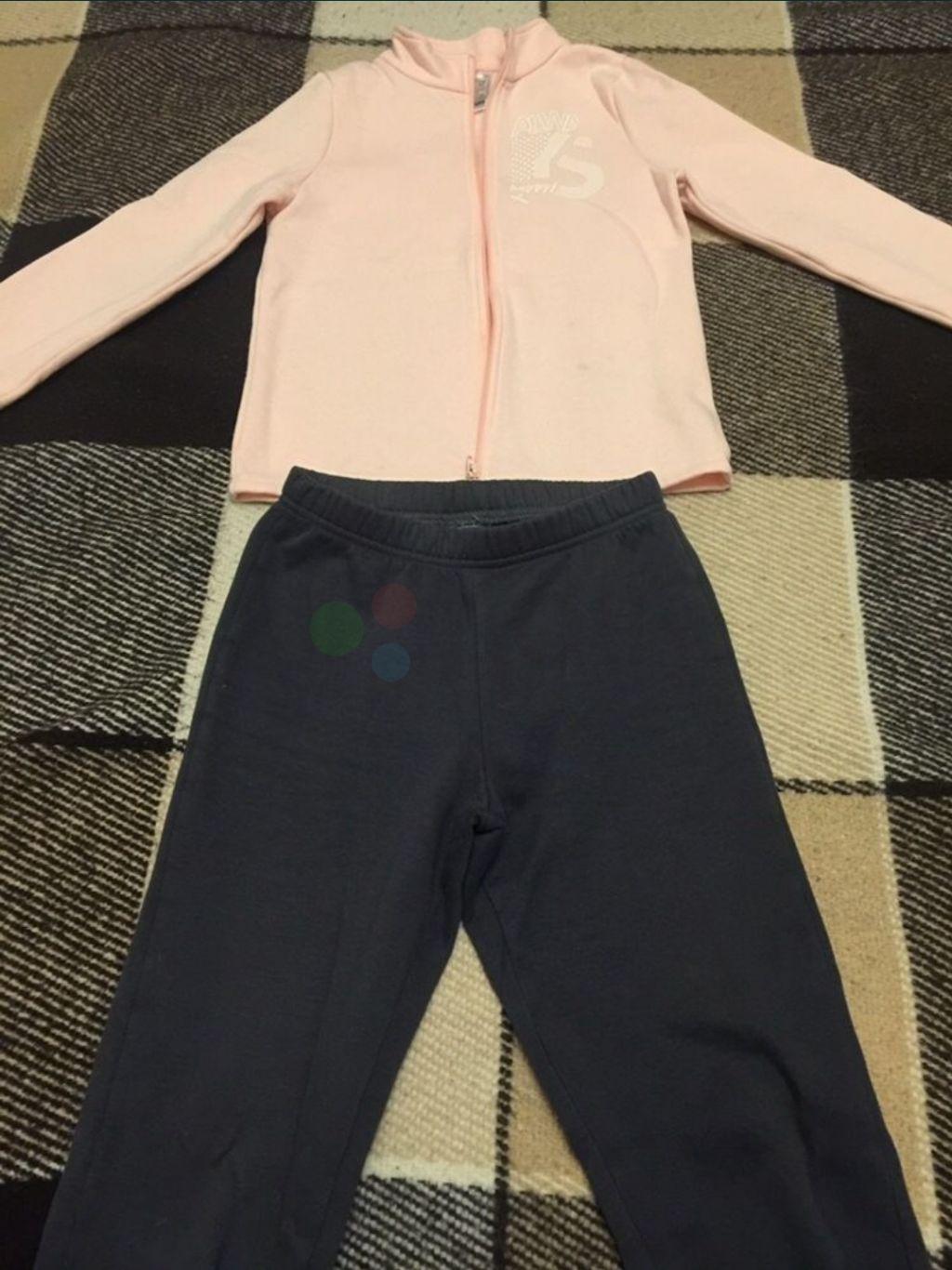 Спортивный костюм на девочку фирменный